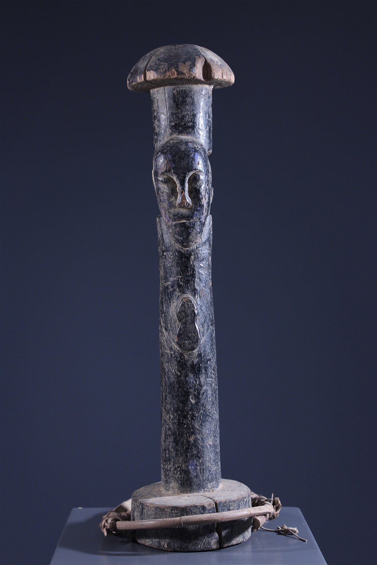 Poteau de protection Ijo - art primitif