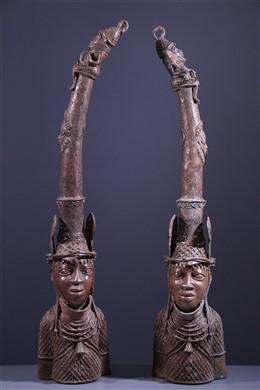 Paire de têtes d autel Benin Bronze