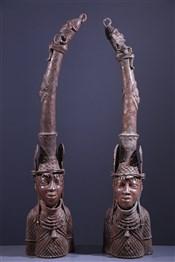 Paire de têtes d'autel Benin Bronze