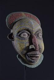 Masque africainMasque Bamoun perlé