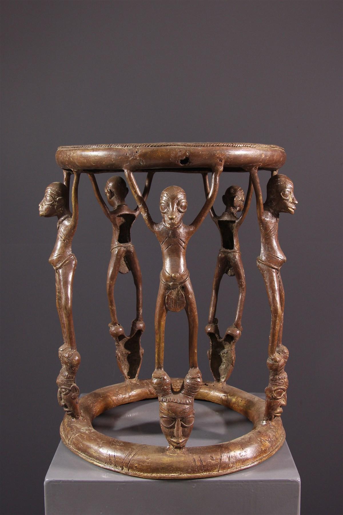 Tabouret de prestige Tikar en bronze - Art africain