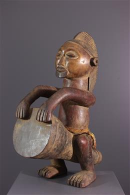 Figure de tambourinaire Mbala Pindi
