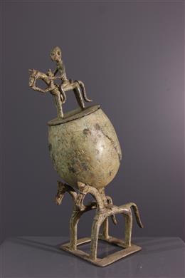 Coupe à cavaliers Dogon en bronze
