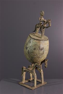 Art africain - Coupe à cavaliers Dogon en bronze