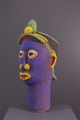 Art africain - Tête perlée en terre cuite