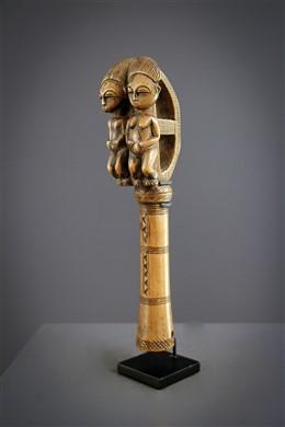 Bâton de musique Baoulé anthropomorphe