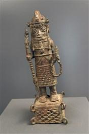 Art africain - Bronze - Oba en tenue de guerre bronze Benin Bini Edo