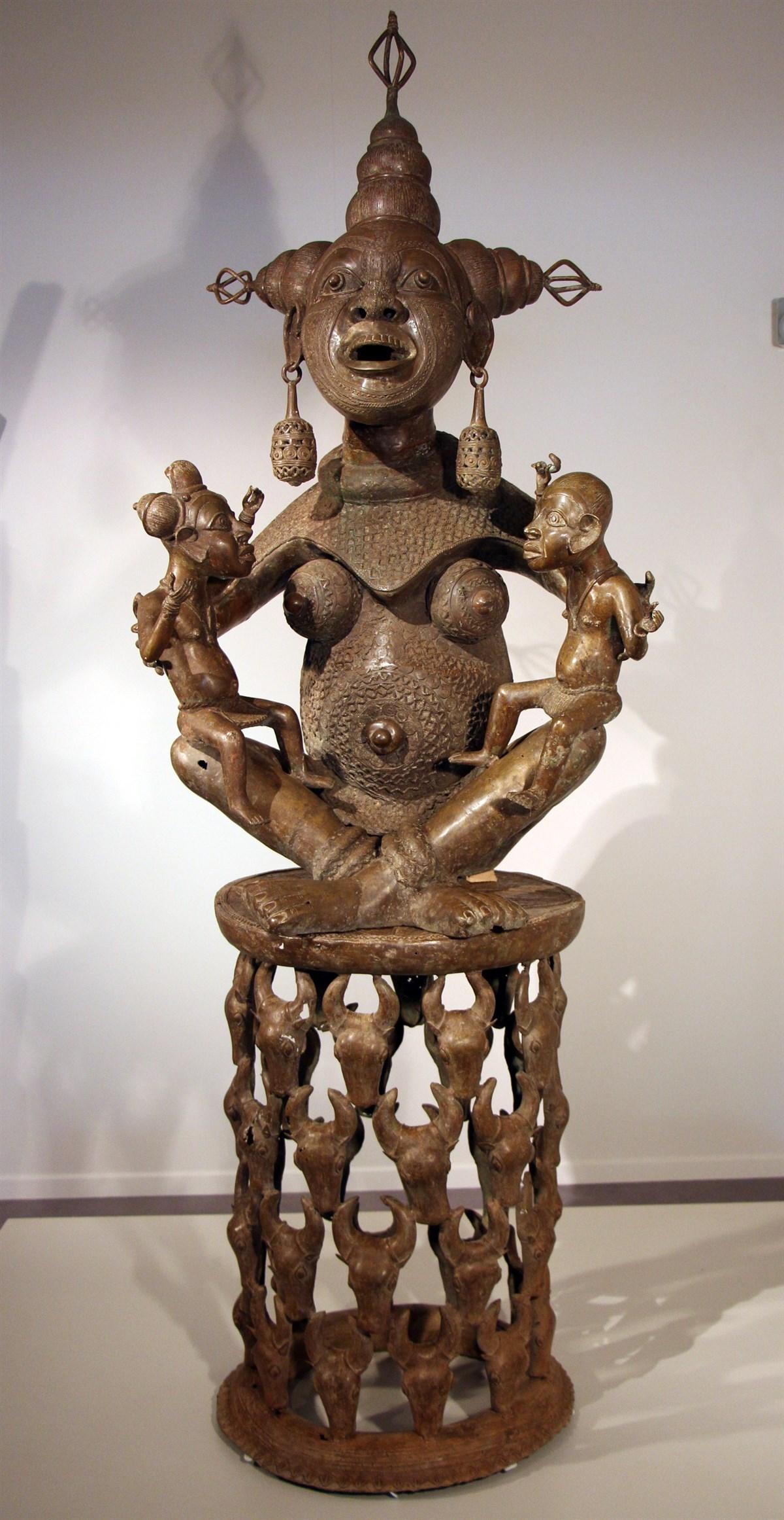 Grande maternité Tikar - Art africain