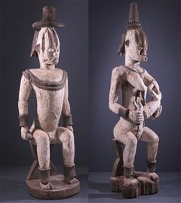 Paire de grandes statues Urhobo Owedjebo