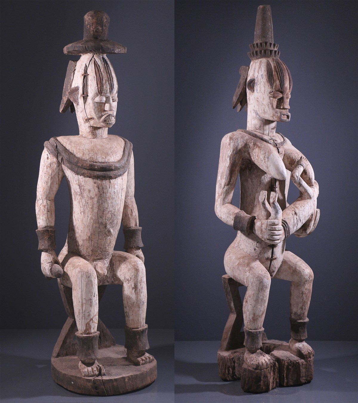 Paire de grandes statues Urhobo Owedjebo - Art africain