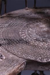 Tabourets, chaises, trônesGrand trône Tikar en bronze
