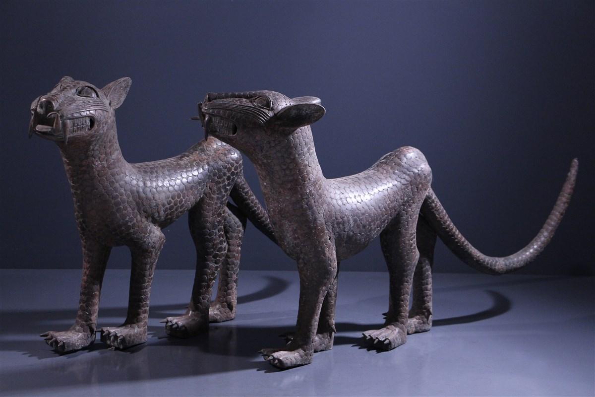 Paire de grands léopards Benin Bini Edo - art primitif