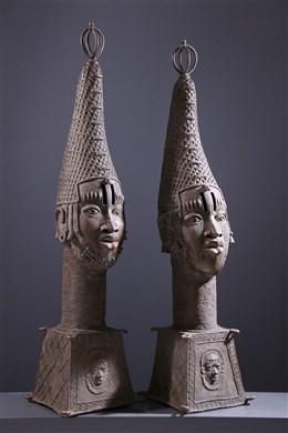 Paire de grandes têtes d autel royal Benin Bini Edo