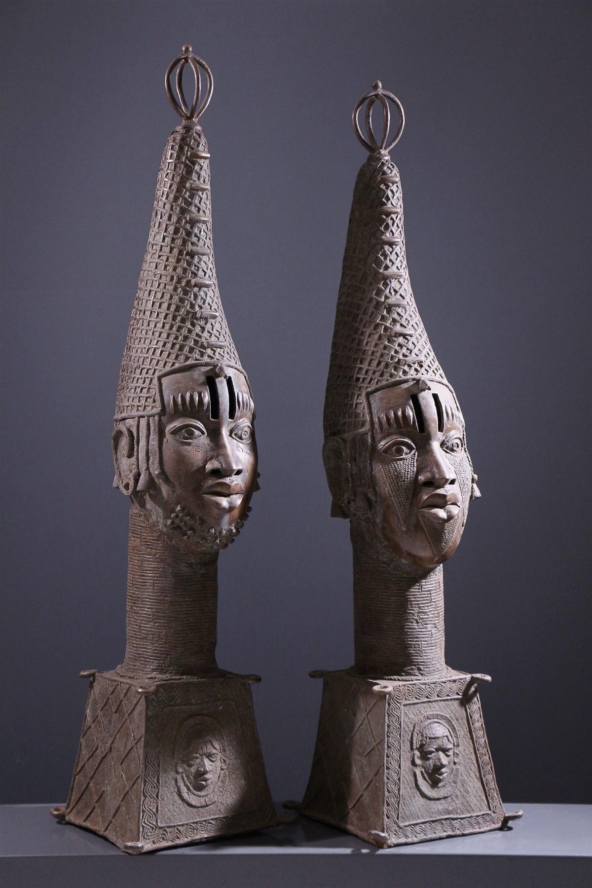 Paire de grandes têtes d'autel royal Benin Bini Edo - Art africain