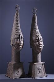 Paire de grandes têtes d'autel royal Benin Bini Edo